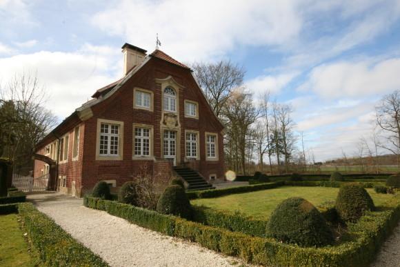 Haus Rüschhaus von der Gartenseite. Zu Droste-Zeiten war es ein Bauerngarten, keine barocke Anlage wie heute. Foto: Monika Gemmer