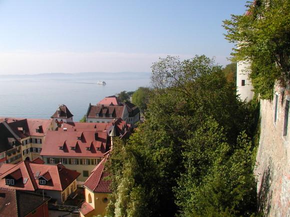 Blick von der Meersburg auf den Bodensee. Foto: Monika Gemmer