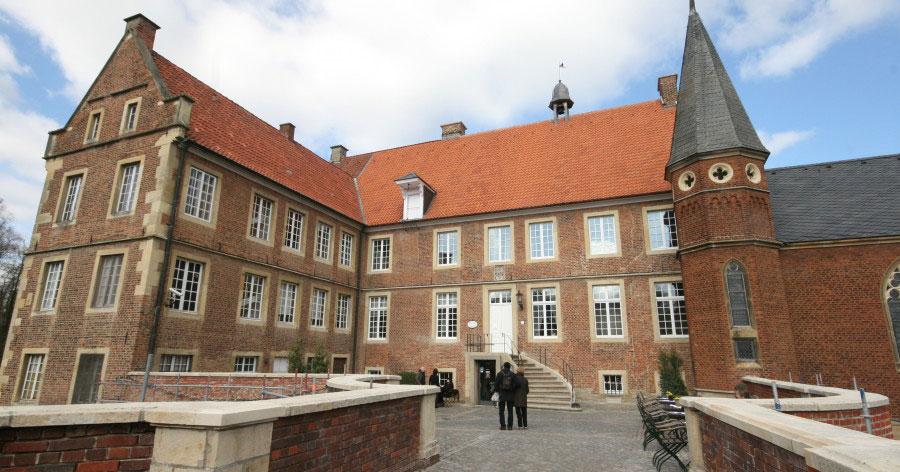 Burg Hülshoff, nach fast 600 Jahren nicht mehr im Familienbesitz. Foto: Monika Gemmer